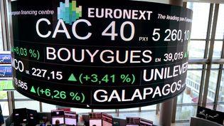 Le quartier général d'Euronext,principale place boursière de la zone euro, à la Défense, près de Paris, le 24 avril 2017. (ERIC PIERMONT / AFP)