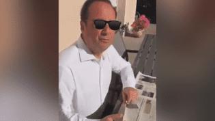 Dans une vidéo publiée sur Facebook le 20 juin 2017, François Hollande se montre en vacances. (F.J.E.P. CORNIL / FACEBOOK)