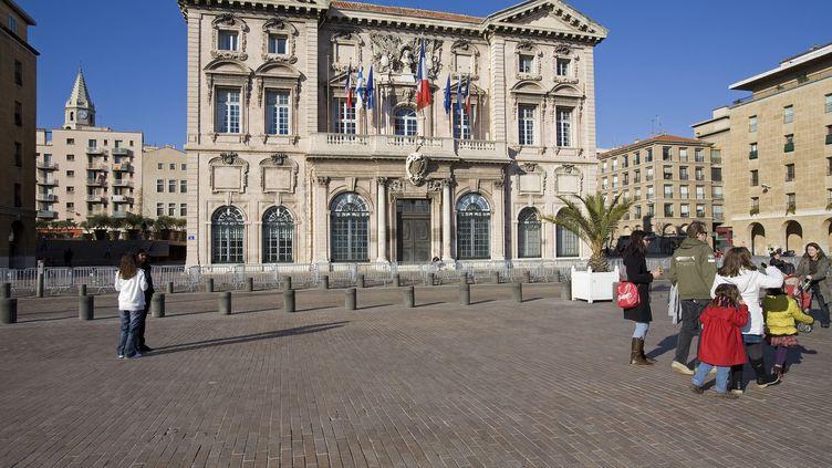 L'hôtel de ville de Marseille, sur le Vieux-Port, photographié en avril 2014. (JOSE NICOLAS  / ONLY FRANCE / AFP)