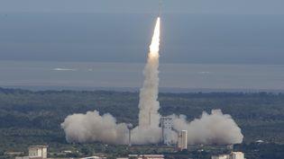Le lancement de l'avion spatial expérimental IXV, mercredi 11 février 2015,depuis Kourou, en Guyane. (STEPHANE CORVAJA / ESA / AFP)