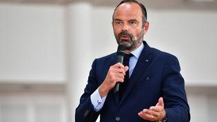 Edouard Philippe s'exprime dans une école, le 30 août 2019, au Muy (Var). (YANN COATSALIOU / AFP)