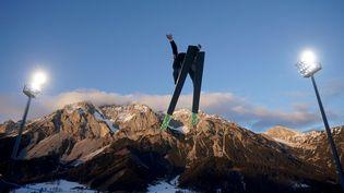 Premiers sauts des femmes en Coupe du monde de combiné nordique à Ramsau am Dachstein (Autriche) (GEORG HOCHMUTH / APA)