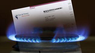 Environ 7,4 millions de foyers, sur un total de 10,6 millions d'abonnés au gaz, étaient aux tarifs réglementés à la fin du troisième trimestre 2014. (CHARLIE ABAD / PHOTONONSTOP / AFP)