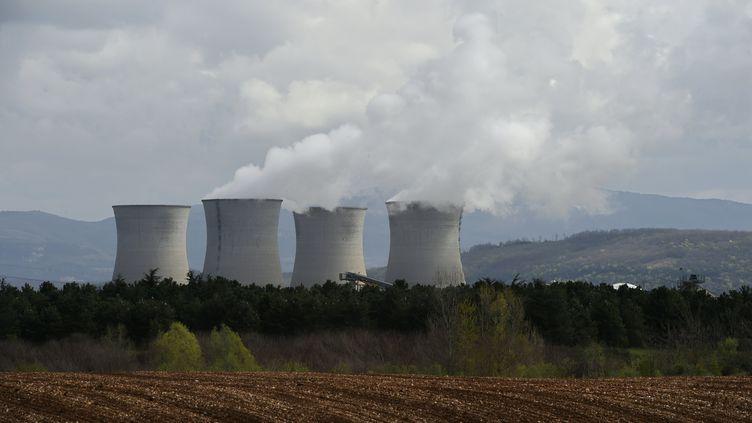 La centrale nucléaire de Bugey (Ain) photographiée le 8 avril 2016. (PHILIPPE DESMAZES / AFP)