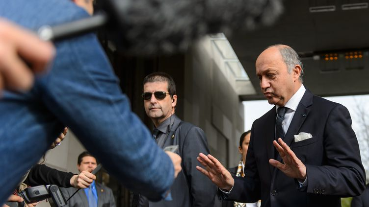 Le ministre des Affaires étrangères, Laurent Fabius, le 8 novembre 2013 à Genève (Suisse). (FABRICE COFFRINI / AFP)