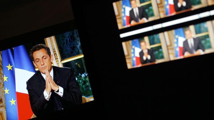 """Jeudi 27 octobre, le président de la République Nicolas Sarkozy s'est adressé aux Françaissur TF1 et France 2 dans une émission spéciale, """"Face à la crise"""". (AFP)"""