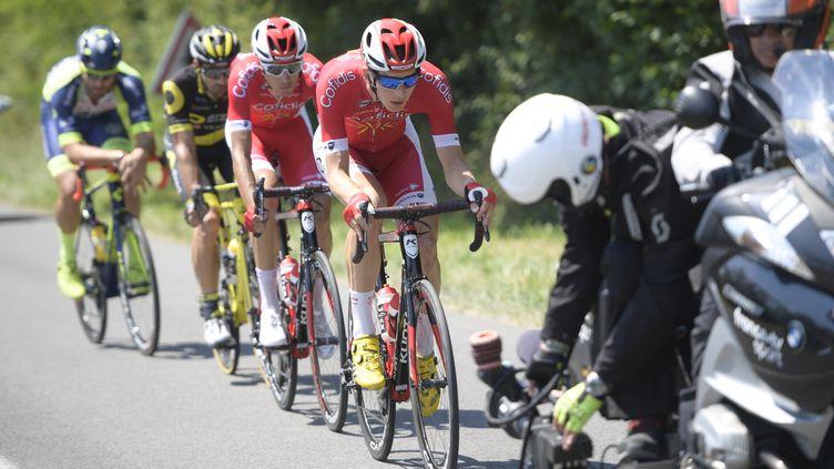 Les Cofidis Dimitri Claeys et Anthony Perez à l'avant de la course entre La Baule et Sarzeau (YORICK JANSENS / BELGA MAG)