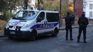 Des policiers nationaux en intervention, le 27 octobre 2020. (VINCENT VOEGTLIN / MAXPPP)