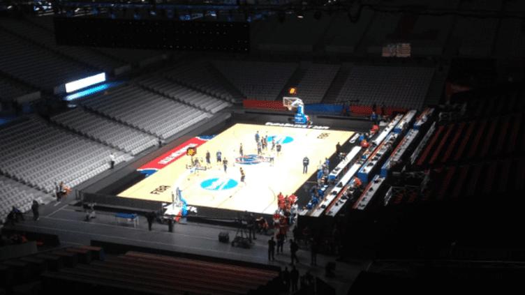 L'intérieur de l'Aréna Pierre-Mauroy en configuration basket