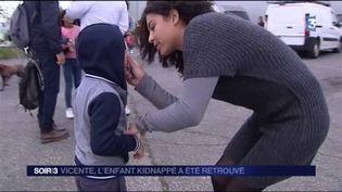 Vicente a retrouvé sa mère un mois après avoir été kidnappé par son père. (FRANCE 3)