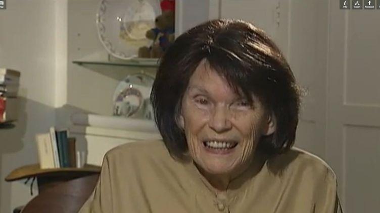 Danielle Mitterrand, interviewée à l'occasion des 25 ans de sa fondation France Libertés, à Paris, en octobre 2011. (FTVi / FRANCE 2)