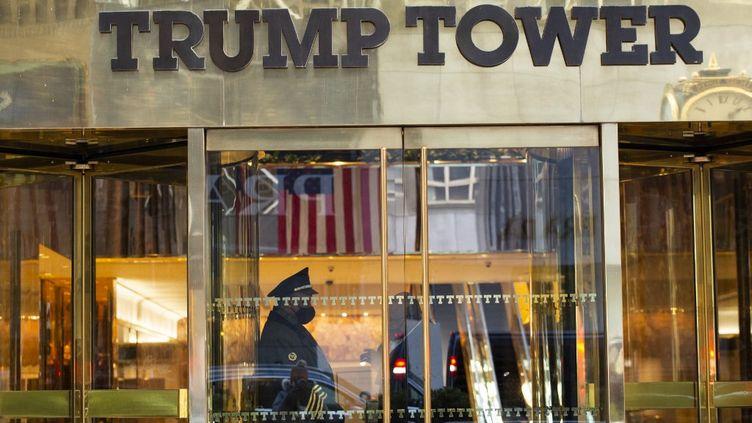 L'entrée de la Trump Tower, le 7 mars 2021, à New York (Etats-Unis). (KENA BETANCUR / AFP)