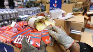De faux médicaments saisis par la douane française. (JEAN-FRANCOIS MONIER / AFP)