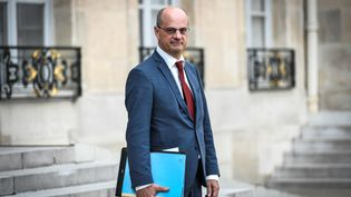 Le ministre de l'Education nationale, Jean-Michel Blanquer, à la sortie du Conseil des ministres, le 31 août 2018, à Paris. (STEPHANE DE SAKUTIN / AFP)