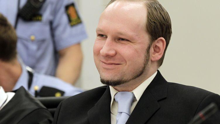 Anders Behring Breivik, qui a tué77 personnes à l'été 2011 en Norvège, lors de son procès à Oslo (Norvège), le 21 juin 2012. (ROALD BERIT / SCANPIX / AFP)