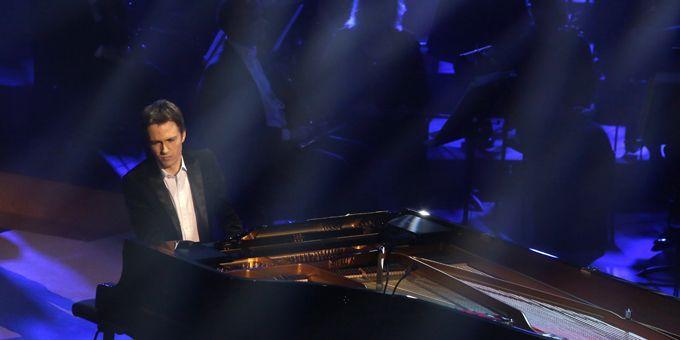"""Alexandre Tharaud a joué le poignant """"The Man I love"""" de Gershwin et a remporté le prix de l'enregistrement de l'année avec """"Le Boeuf sur le toit"""" (Emi/Virgin Classics), à Bordeaux (25/02/2013)  (Nicolas Tuscat / AFP)"""