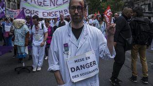 Lors d'une précédente manifestation des personnels soignants, à Paris, le 6 juin 2019. (MAXPPP)
