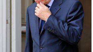 Le Premier ministre, Jean-Marc Ayrault, sur le perron de Matignon, le 28 juin 2012. (WITT / SIPA)
