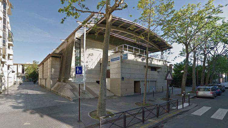 Le gymnase des Cévennes, situé dans lesud du 15e arrondissement deParis. (GOOGLE STREET VIEW / FRANCETV INFO)