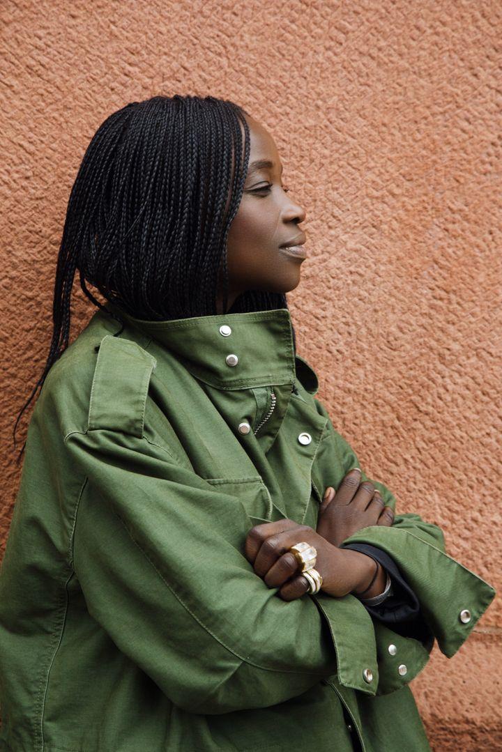 """L'éditrice indépendante Anna-Alix Koffi est la directrice de création et rédactrice en chef des revues""""Something we Africas got"""", """"Woman Paper"""" et du magazine """"SWAG high Profiles"""". (TOMAS HEROLD)"""