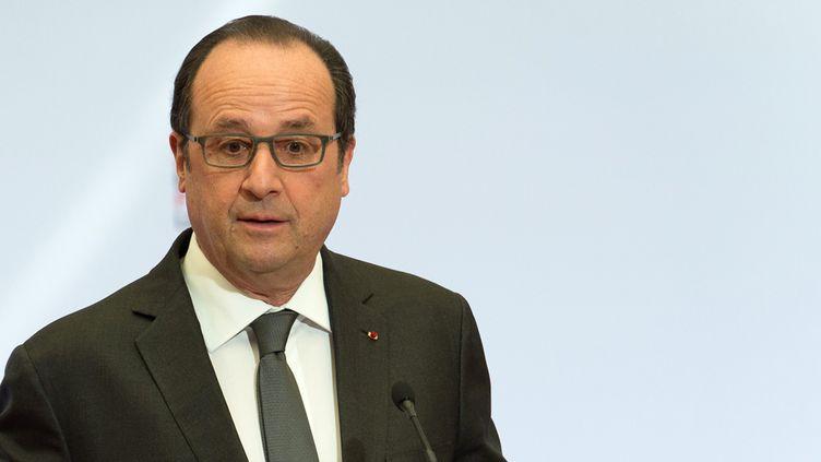 (François Hollande a décidé de recoller les morceaux lui-même avec sa majorité © MaxPPP)