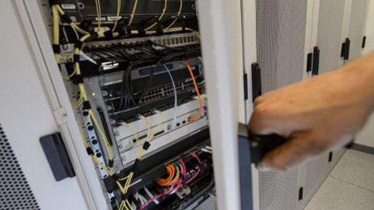 Le bunker d'Attinghausen où sont stockées des milliers de données informatiques (18 novembre 2013). (AFP/Fabrice Coffrini)