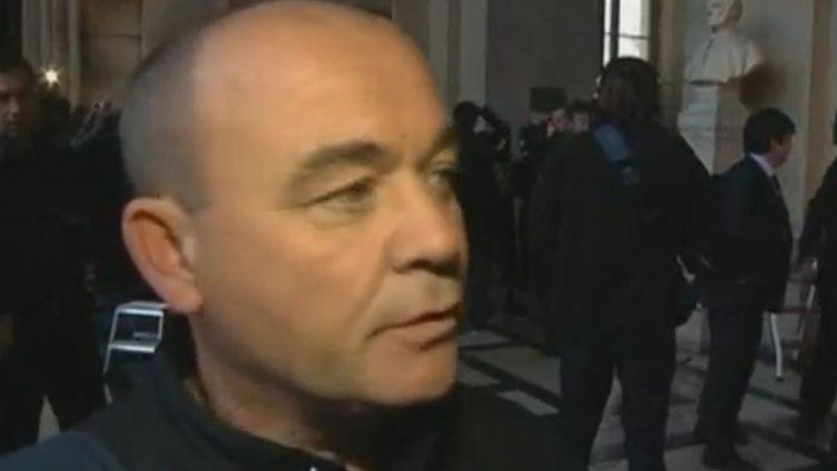 Victime de l'attentat rue Marbeuf en 1982, Philippe Rouault espère obtenir lors de ce procès en assises des réponses mais également un geste de sympathie du terroriste présumé Carlos. (Reuters)