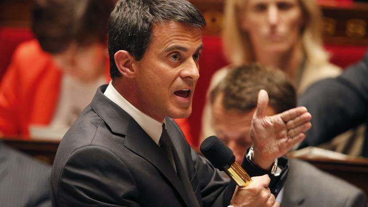 Manuel Valls à l'Assemblée nationale, à Paris, le 9 juin 2015. (HARLES PLATIAU / REUTERS)