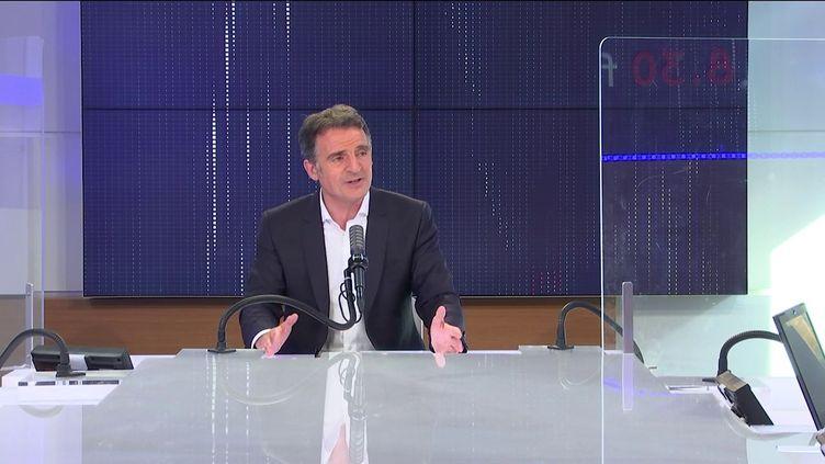 """Éric Piolle, maire EELV de Grenoble était l'invité du """"8h30 franceinfo"""", vendredi 18 juin 2021.  (FRANCEINFO / RADIO FRANCE)"""