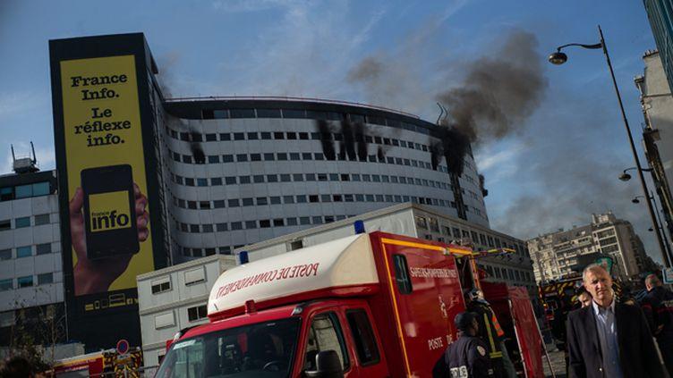 (Incendie dans l'un des étages de Radio France, vendredi 31 octobre 2014 © Maxppp)