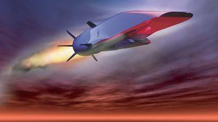 Propulsé par un moteur de missile, le X-51A WaveRiderpourrait relier Sydney à New York en moins de deux heures. (US AIRFORCE / AFP)