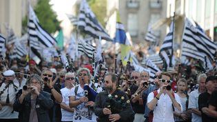 Des partisans du rattachement de la Loire-Atlantique à la Bretagne défilent dans les rues de Nantes, le 27 septembre 2014. (JEAN-SEBASTIEN EVRARD / AFP)