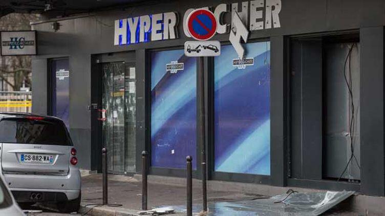 (Les quatre personnes interpellées lundi dans le cadre de l'enquête sur les attentats de Paris font partie de l'entourage d'Amédy Coulibaly, auteur de l'attaque du spermarché casher de la porte de Vincennes © Maxppp)