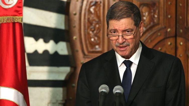 Le Premier ministre tunisienHabib Essid prononce un discours le 19 mars 2015,au lendemain de l'attaque terroriste perpétrée dans le musée du Bardio à Tunis (Tunisie). (ILYES GAIDI / ANADOLU AGENCY / AFP)