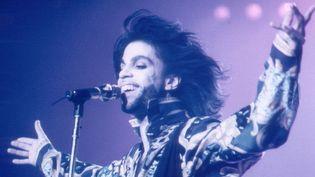 Prince sur scène à Wembley (Londres) le 22 août 1990.  (Graham Witshire / Hulton Archive / Getty Images)