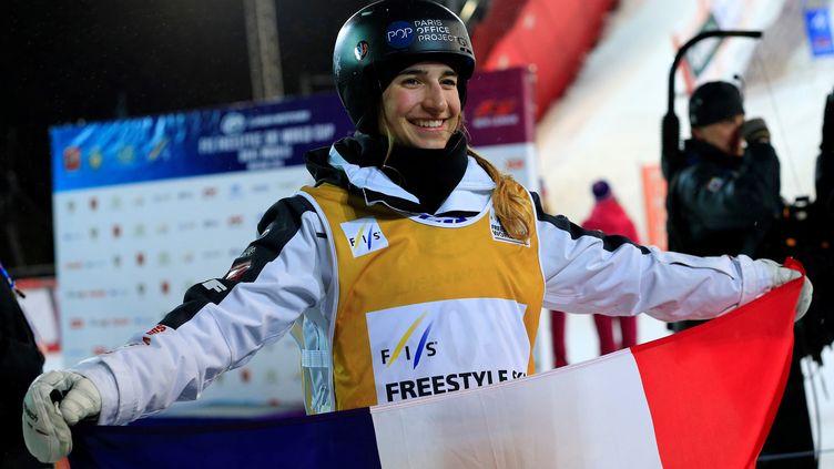 Perrine Laffont sur les pistes d'un freestyle en Russie (SEFA KARACAN / ANADOLU AGENCY)