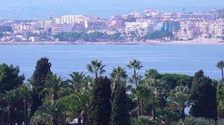 Les Français ont des envies d'évasion pour les vacances de la Toussaint, qui débutent samedi 23 octobre. Reportage dans les Alpes-Maritimes, où les réservations sont au rendez-vous. (CAPTURE ECRAN FRANCE 3)