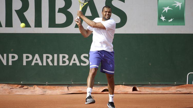 Jo-Wilfried Tsonga à l'entraînement à Roland-Garros, le 29 mai 2021. (JEAN CATUFFE / DPPI / AFP)