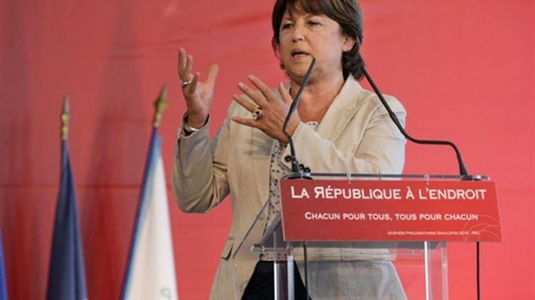 Martine Aubry devant les parlementaires socialistes réunis à Pau le 22 septembre 2010 (AFP/THIERRY SUIRE)