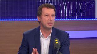 Yannick Jadot, candidat écologisteà la présidentielle, invité de franceinfo samedi 4 février (RADIO FRANCE / FRANCEINFO)