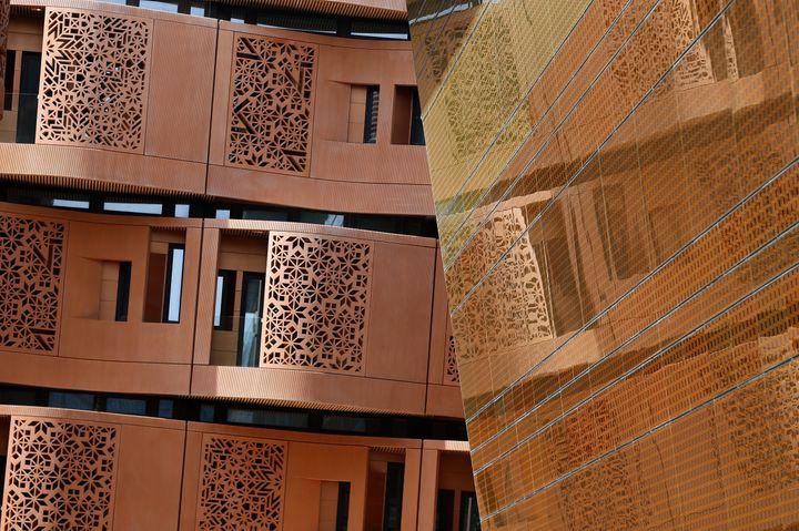 Détail de l'architecture à Masdar, aux Emirats arabes unis. (KARIM SAHIB / AFP)