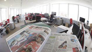 """Une édition du journal """"L'Equipe"""", le 9 juin 2015, àBoulogne-Billancourt (Hauts-de-Seine). (JOEL SAGET / AFP)"""
