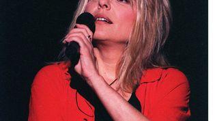 La chanteuse France Gall, morte le 7 janvier 2018, lors d'un concert à Bercy en 1993. (ASLA / SIPA)