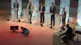 """Les cinq candidats à la primaire écologiste ont participé à un débat ce dimanche sur le canal 27 de franceinfo et France Inter, en partenariat avec """"Le Monde"""". (FRANCEINFO / RADIO FRANCE)"""