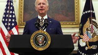 Le président américain Joe Biden lors d'un discours à la Maison blanche sur la crise économique, à Washington (Etats-Unis), le 22 janvier 2021. (ALEX WONG / GETTY IMAGES NORTH AMERICA / AFP)