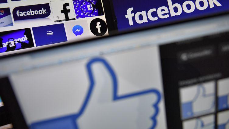 Le logo de Facebook. (LOIC VENANCE / AFP)