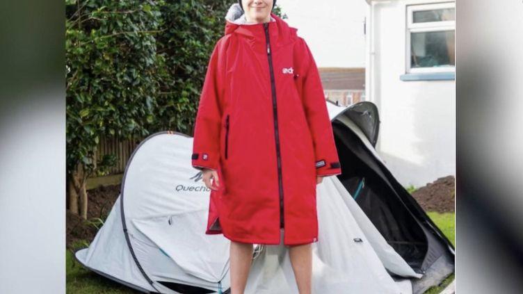 Angleterre : un garçon de 11 ans récolte 600 000 euros pour les soignants (FRANCE 2)