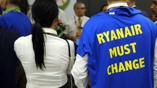 Des personnels de Ryanair en grève, le 25 juillet 2018 à l'aéroport de Bruxelles en Belgique. (ERIC LALMAND / BELGA)