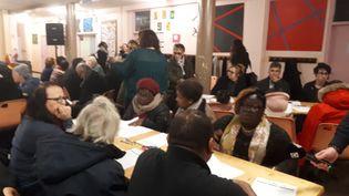 Grand débat organisé dans un quartier de Villiers-le-Bel (Oise), le 16 janvier 2019.  (GAELE JOLY / FRANCE-INFO)