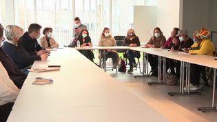 Violences urbaines : des maires de l'Essonne s'unissent pour lutter contre les rixes entre jeunes (France 3)